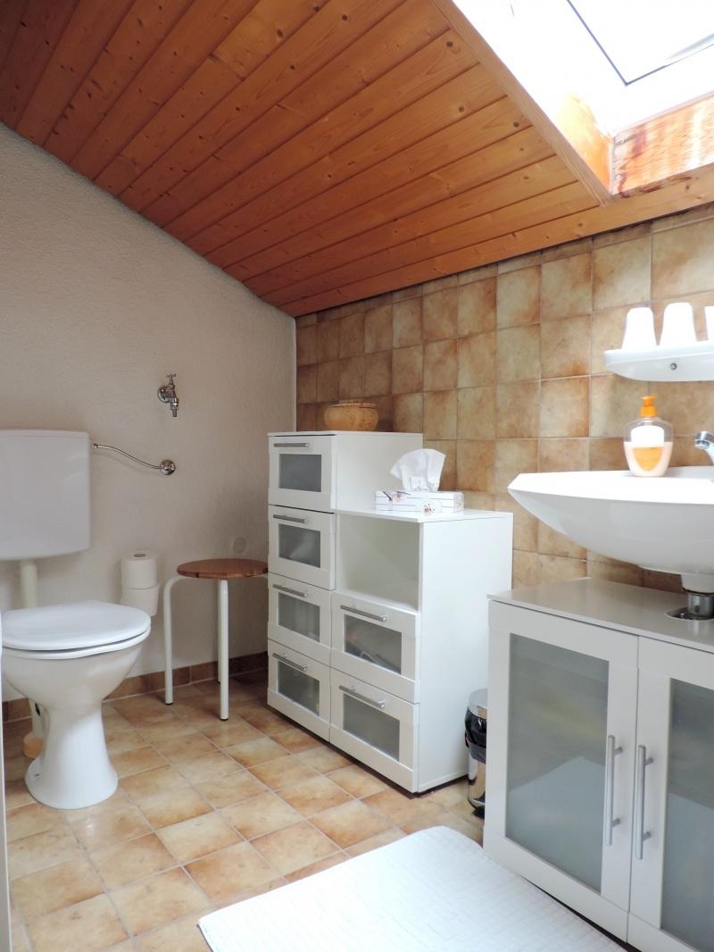 Tageslichtbad mit Dusche im DG