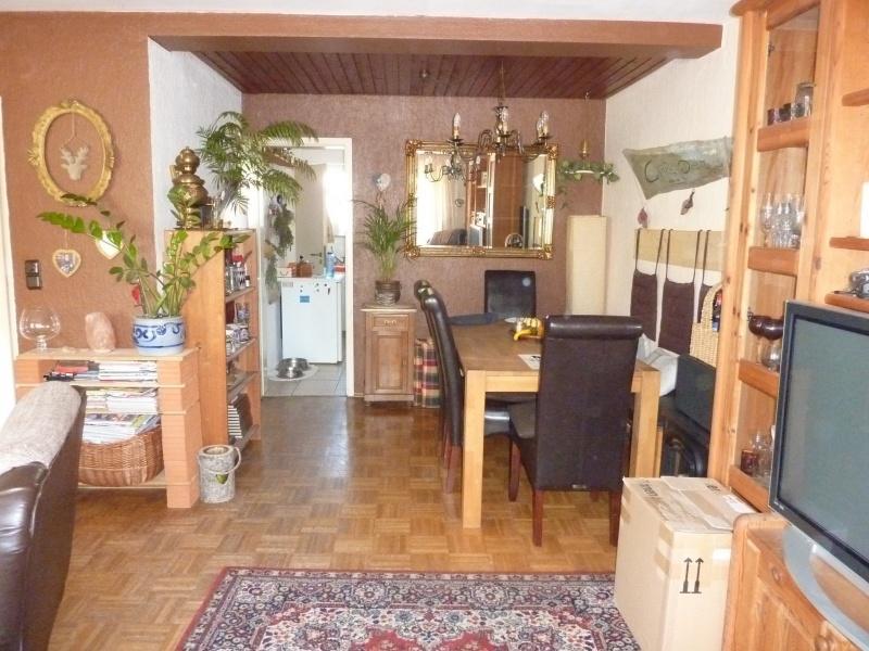 Blick von der Terrasse zur Küche und Esszimmer