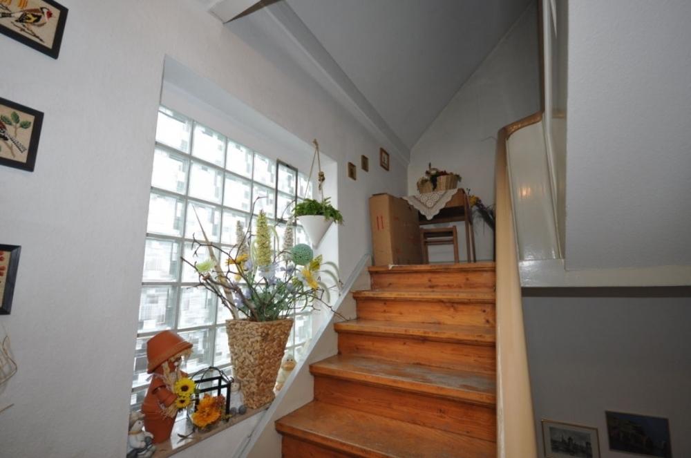 Treppe zum Dachgeschoss.png