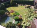 uneinsehbarer sonniger Garten.png