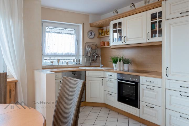 offene Einbau-Küche inklusive