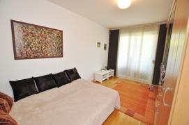 Schlafzimmer 2 (Gartenseite)