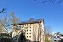 Aussenansicht mit Solaranlage