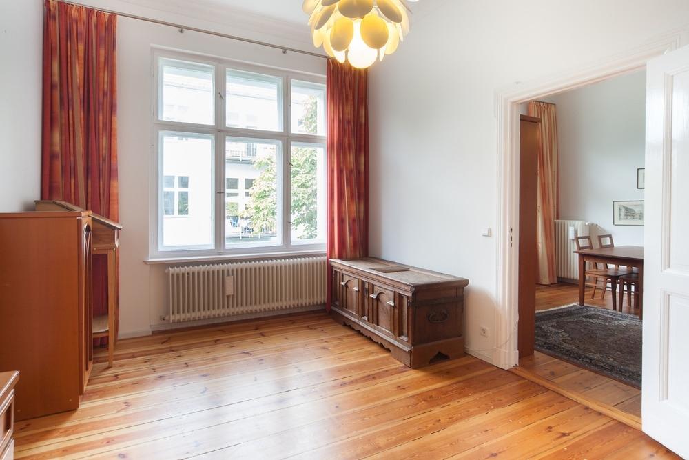 Living / Second bedroom