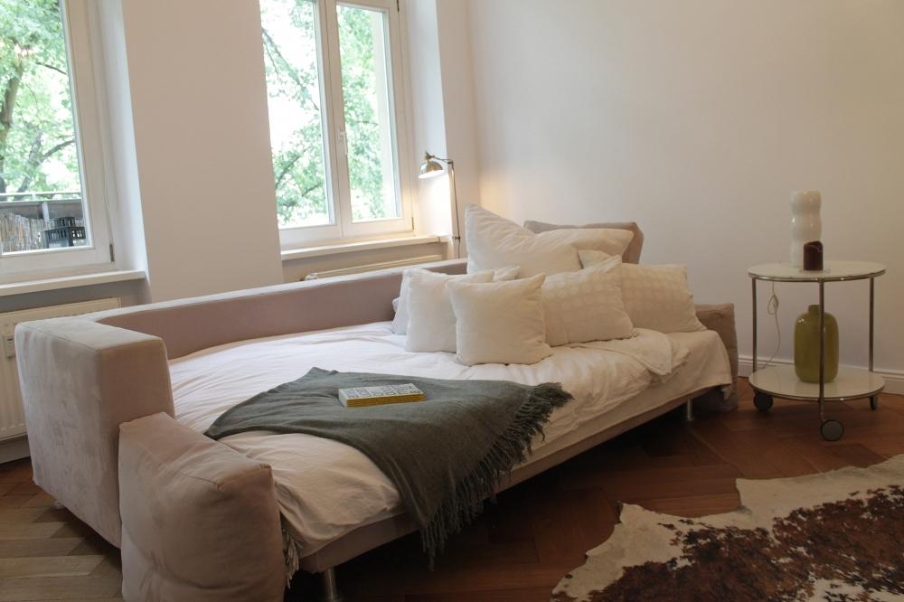 Rhinow-Wohnzimmer-Bett