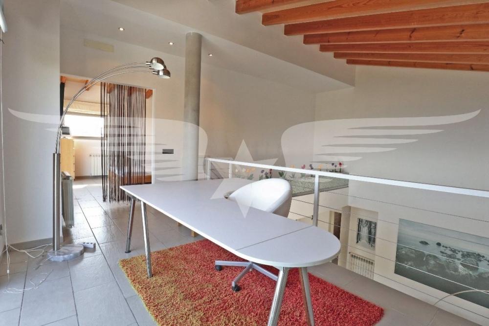 Büro-Lounge OG