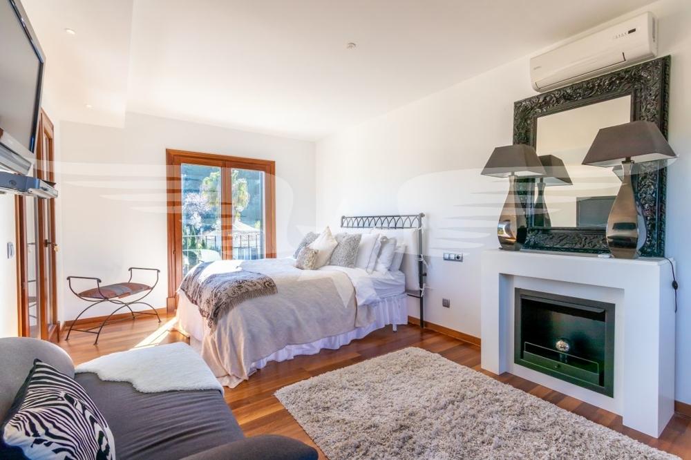 Master-Bedroom mit Kamin