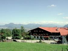 Bild 5 Haupthaus mit Blick auf Salzburg