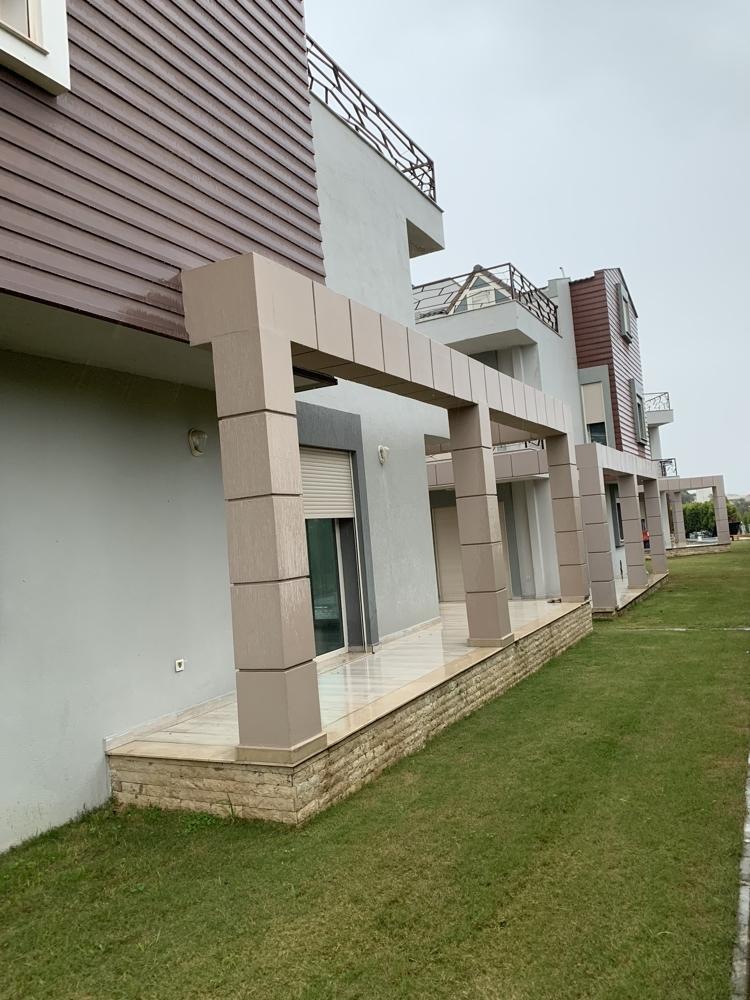 Villa in Cesmealti (22)