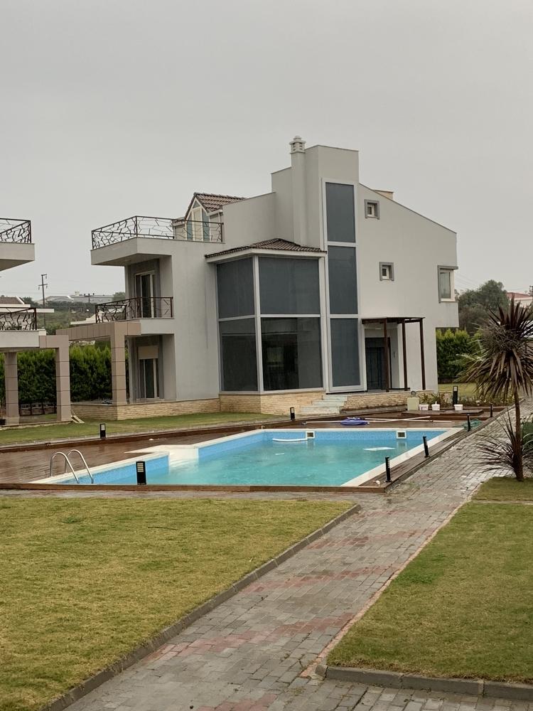 Villa in Cesmealti (28)