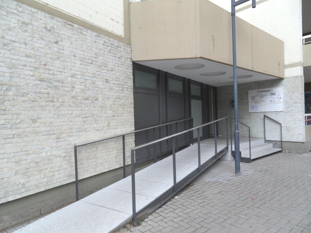 2-Eingang Haus Nr. 1