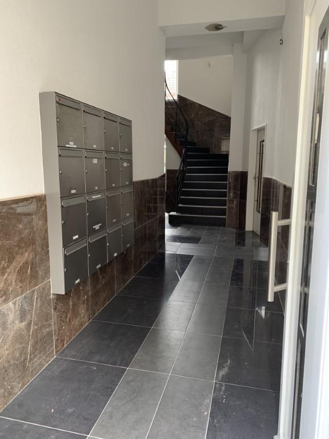 Komplett renoviertes Treppenhaus (1)