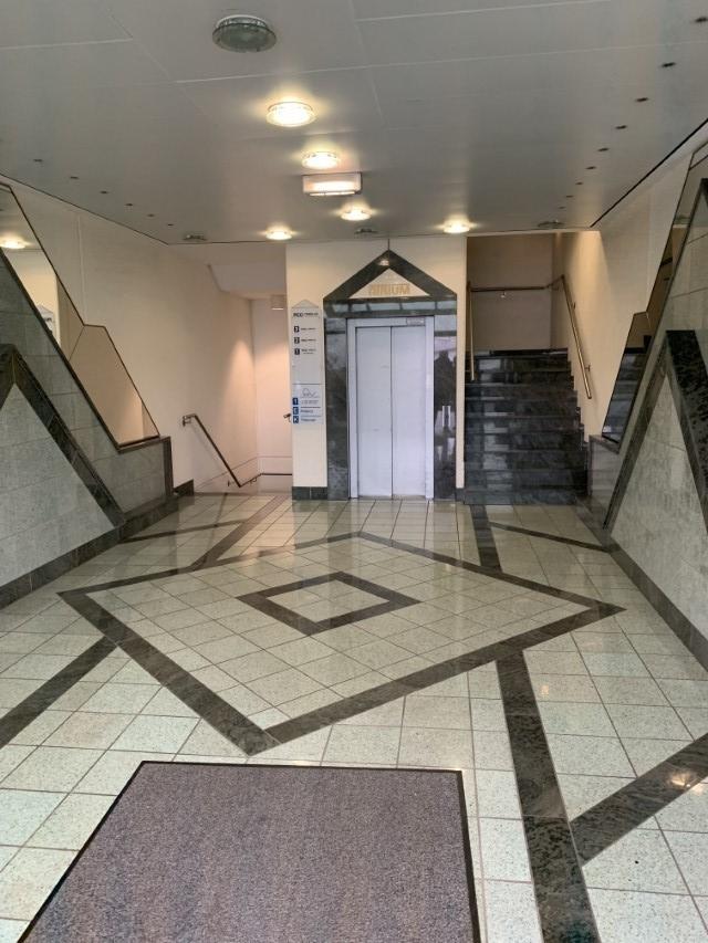 Aufhgang mit Fahrstuhl