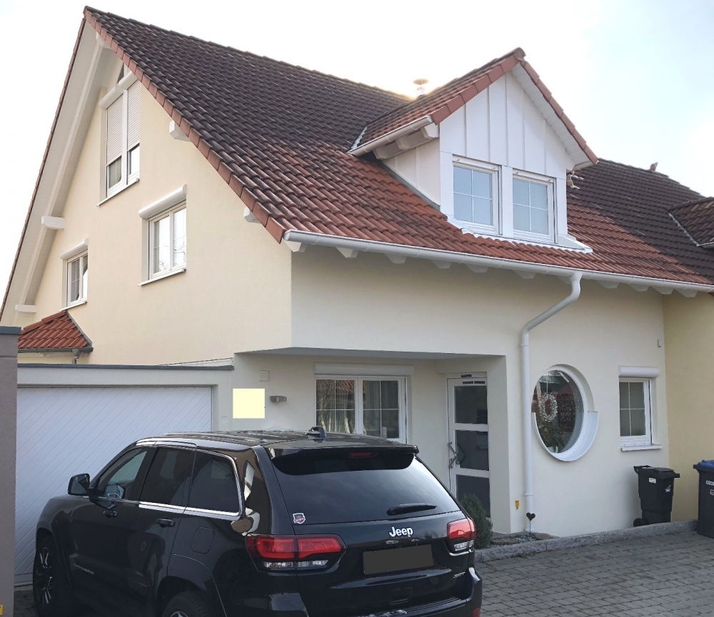 Haus Front.-1
