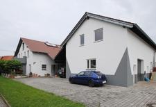 Haus mit Halle