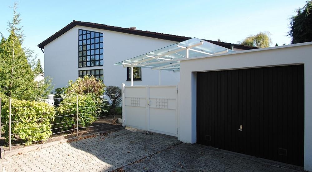 Haus-Carport-Garage