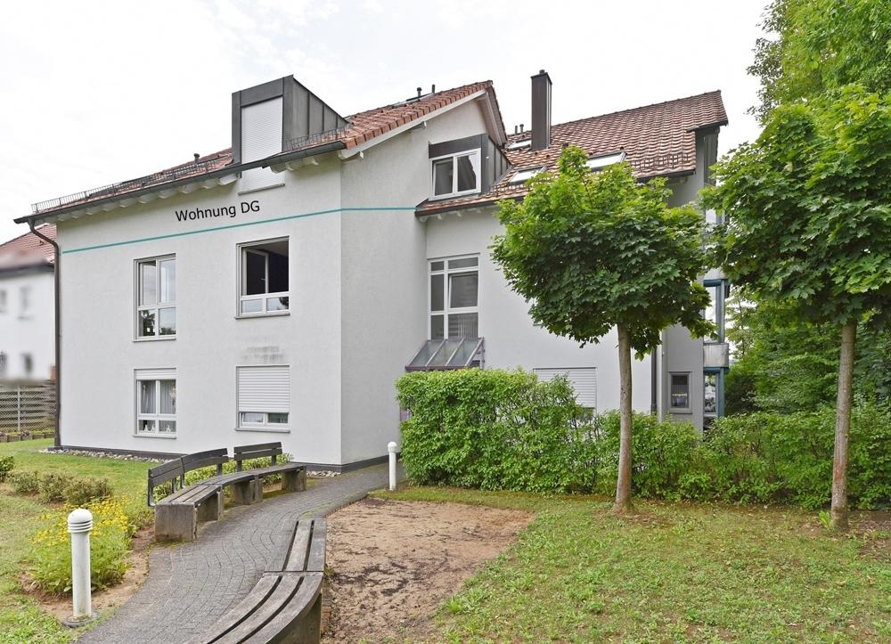 Haus Strassenseite Eingang