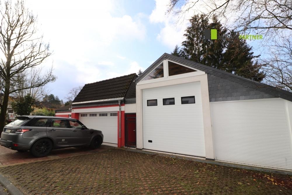 Doppelgarage und Wohnmobilhalle
