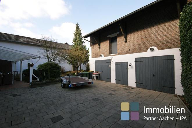 Halle/ Garage
