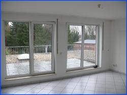 Wohnraum mit großem Balkon
