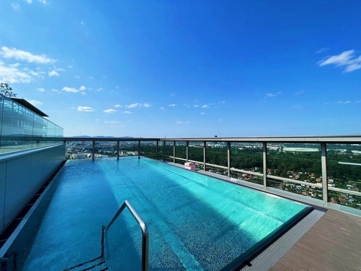 TrIIIple Pool