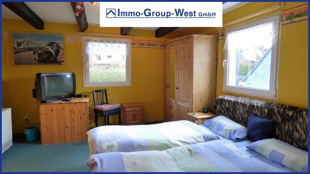 11 Schlafzimmer OG