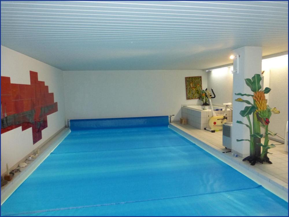 16_Schwimmbad u. Whirlpool