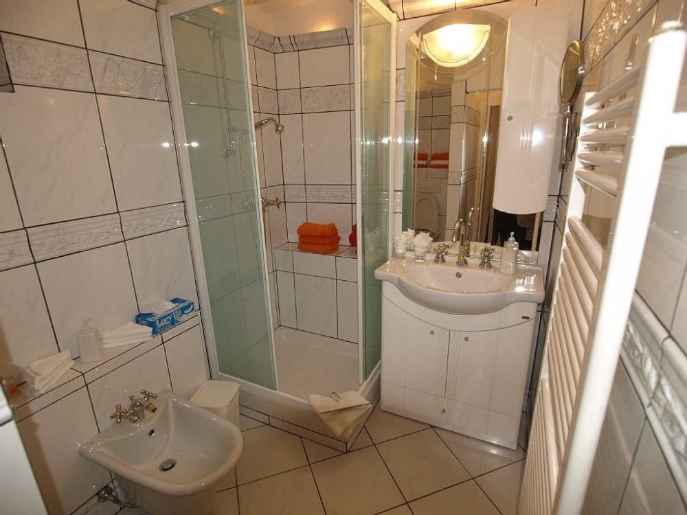 8.2 Duschbad WC