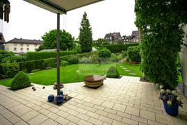 Neuwertige Terrasse