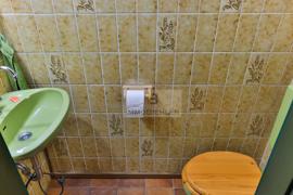 Separates Gäste-WC EG