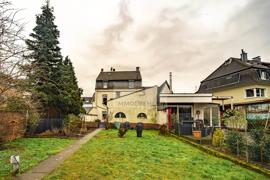 Rasenfläche zum Haus