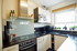 Schön gestaltete Küche