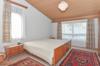 Zimmer 1 im OG mit hoher Decke