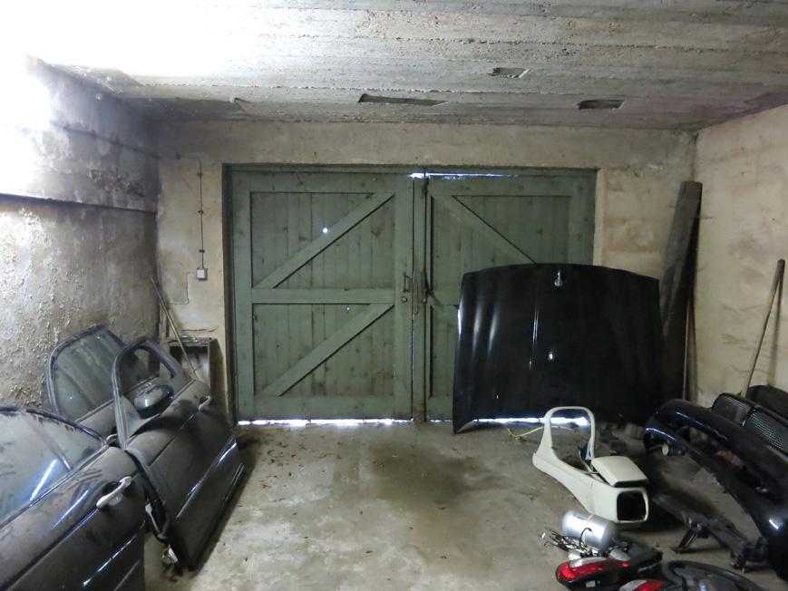 5329-09-Garage-innen
