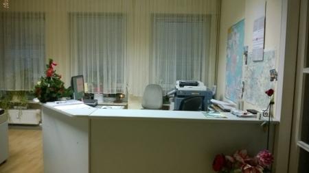 Büro vorne Theke
