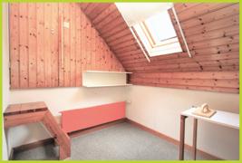 Abstellraum mit Zutritt Dachboden