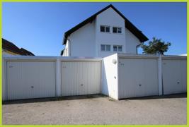 Garage und Hausansicht Seite