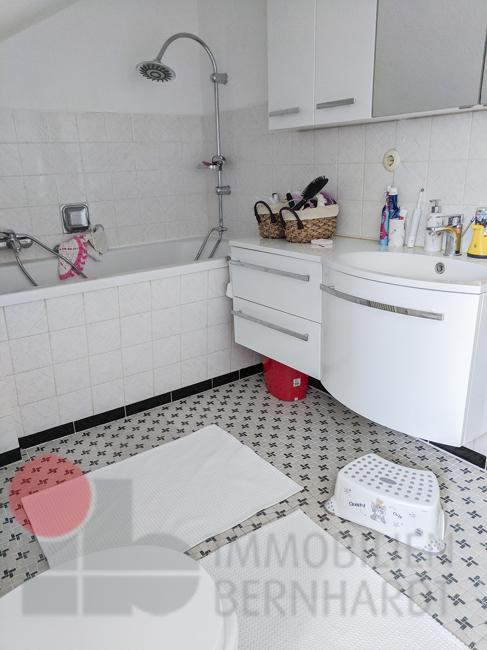 Badewanne-Waschbecken