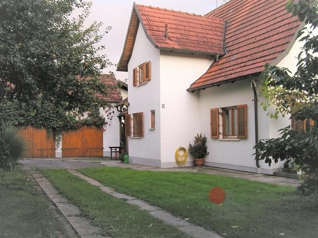 Ansicht Hof mit Garagen