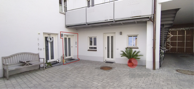 Innenhof und Eingang 6.2
