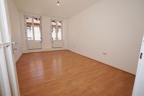 1. Zimmer 1