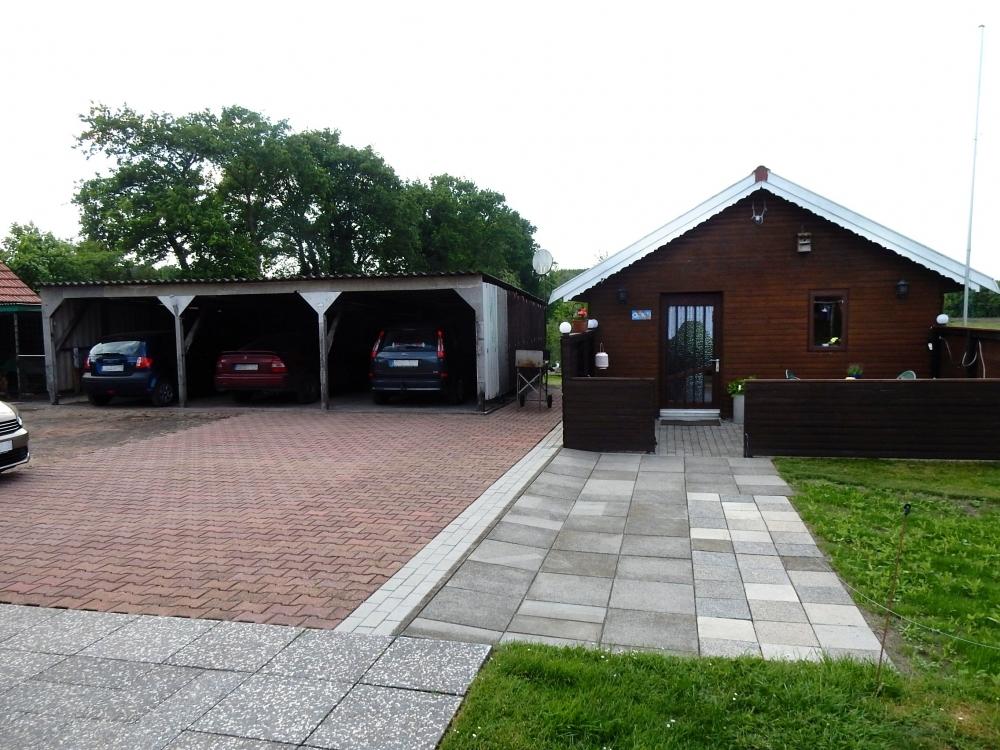 Gartenhaus u. Carports