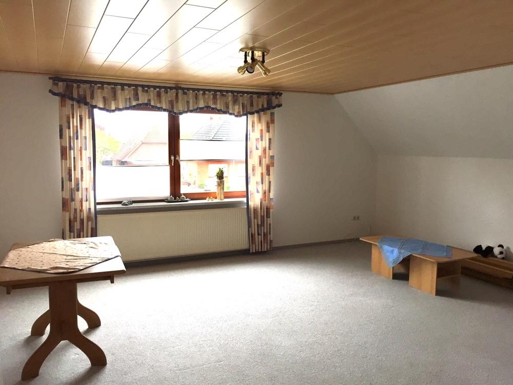 Wohnzimmer vorne Ansicht 1