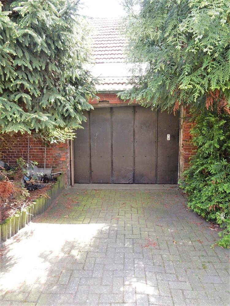 Garage auf der Diele Hinterhaus(seitlich)