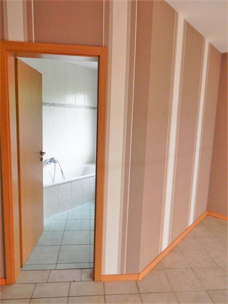 Elternschlafzimmer m. anliegendem Bad