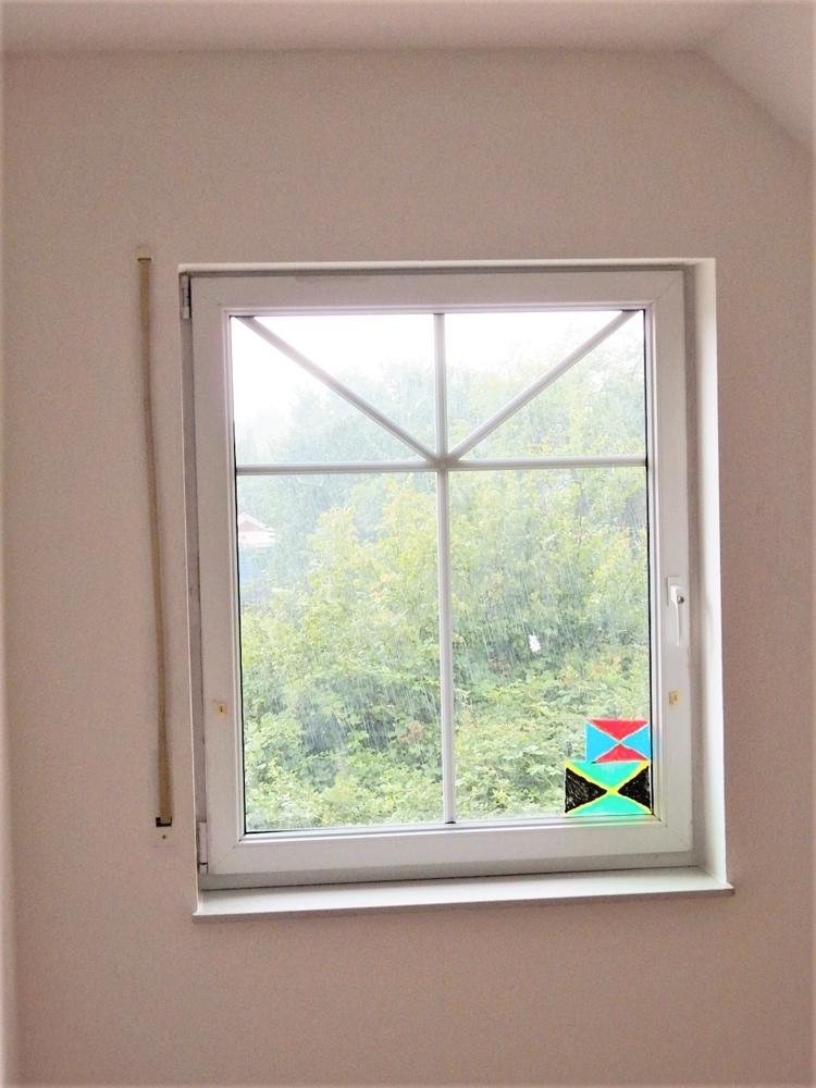 Sprossenfenster, hinten unverbauter Blick