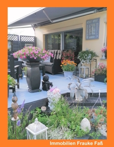 Terrasse mit Markise