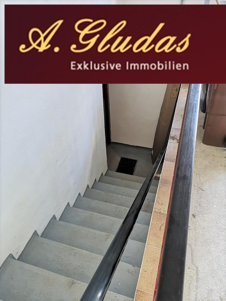 Treppenaufgang zur Garage