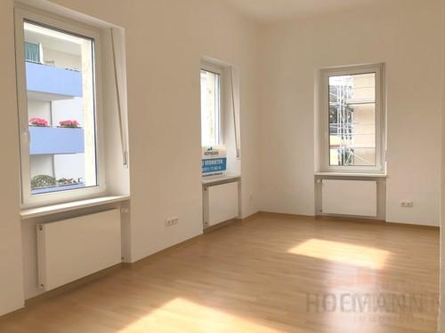 Blick ins große Wohnzimmer