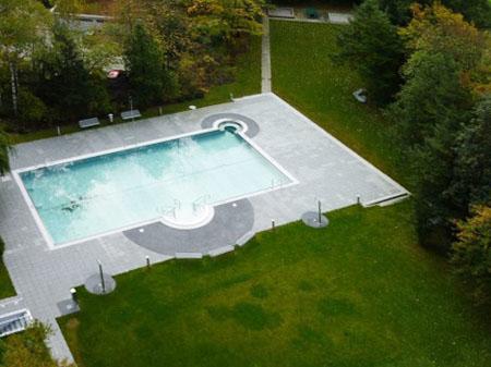 Outdoor-Swimmingpool